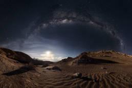 Chile Atacama Wüste Tal des Mondes Mond Milchstraße Panorama