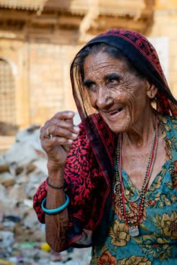 Indien Rajasthan Alte Frau Markt
