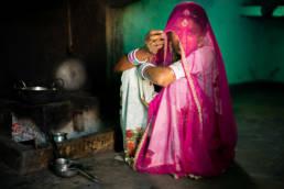 Indien Rajasthan Tharwueste Junge Frau Verschleiert Kueche