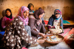 Marokko Hoher Atlas Frauen Familie Essen
