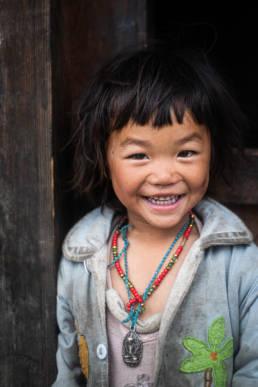 Nepal Solokhumbu Mädchen lachend