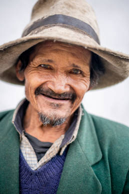 Peru Alter Mann Laechelnd Hut