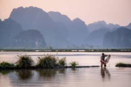 Vietnam Trockene Halongbucht Fischer